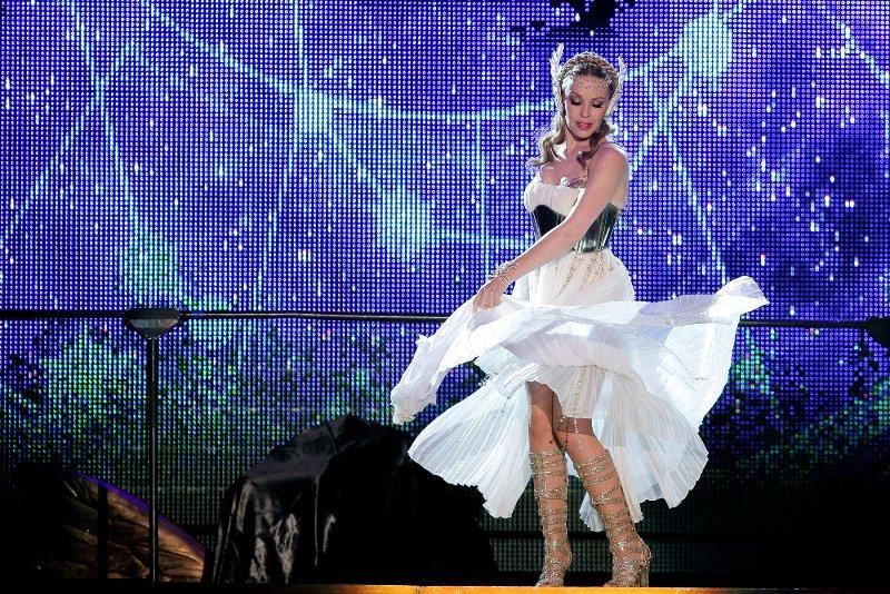 "Kylie Minogue Aphrodite Tour Kylie Minogue ""Ap..."