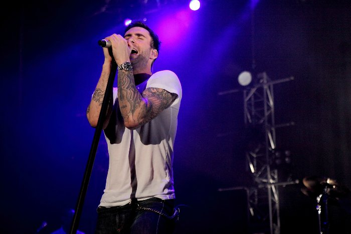 Maroon 5 - One more night live in Bangkok 8 October 2012 - YouTube
